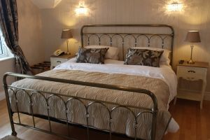 Bedrooms @ Lake House Hotel